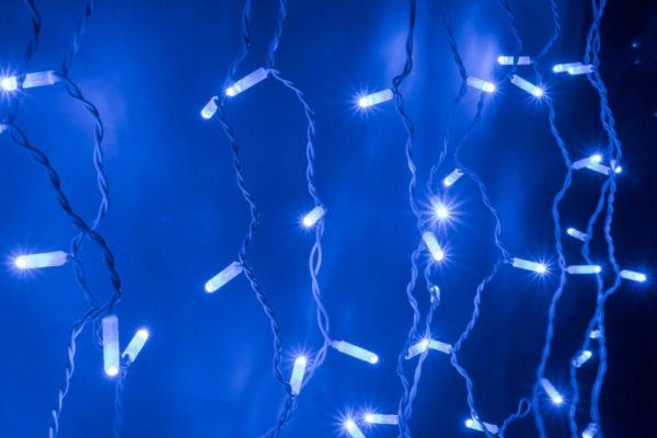 Светодиодный плей-лайт с нитями разной длины с контроллером синий на белом проводе, 200 LED, 3.3метра 1