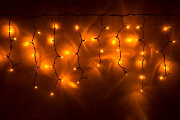 Гирлянда Айсикл 4,8 х 0,6 м, МЕРЦАЮЩАЯ, черный провод КАУЧУК, свечение желтое/мерцание желтое